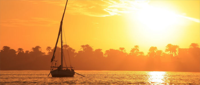 Boot auf dem Nil in Luxor, Ägypten