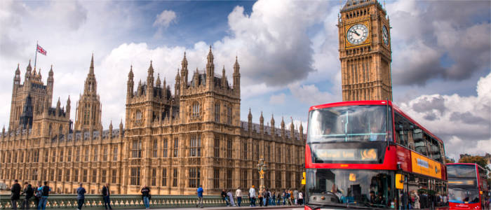 Roter Bus in London mit Big Ben