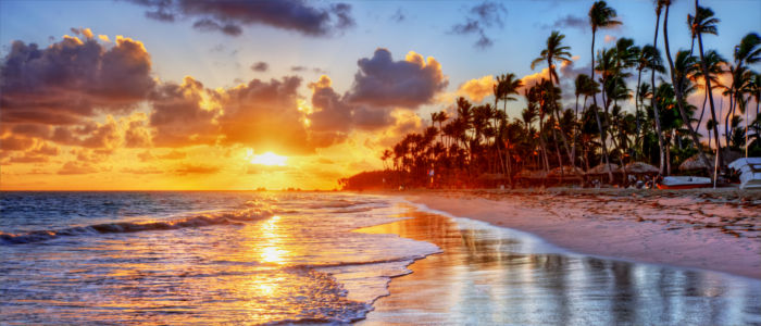 Der Strand von Jamaika im Sonnenuntergang
