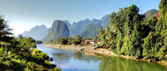 Fluss bei Vang Vieng in Laos