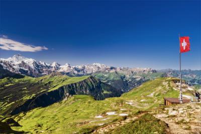 Blick über die Alpen im Berner Oberland