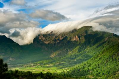 Berge und Wolkenwand auf La Palma