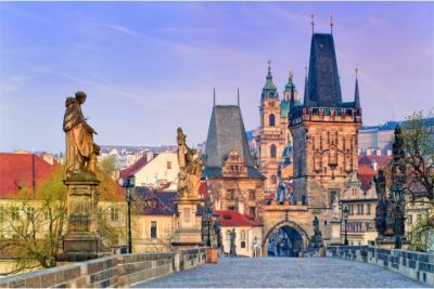 Berühmte Brücke in Prag