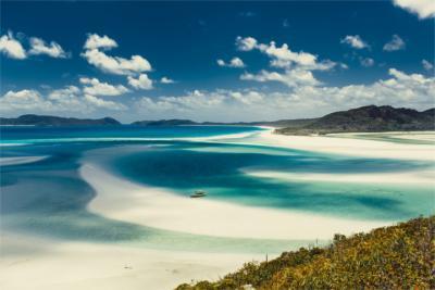 Weißer Sandstrand in Queensland