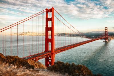 Berühmte rote Brücke in San Francisco