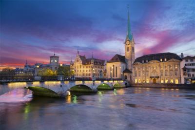 Zürich mit Blick auf die Kirche Fraumünster