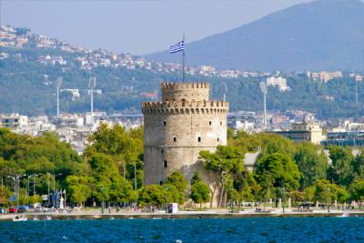 Der Weiße Turm von Thessaloniki an der Uferpromenade